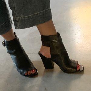 VIA SPIGA Women's SZ 7.5 Sandals